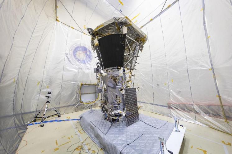 """正接受测试的美国""""帕克""""太阳探测器。"""