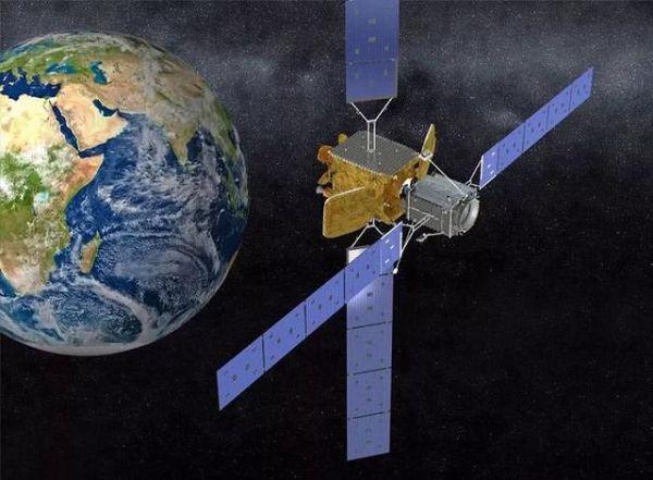 """MEV-1""""太空加油""""示意图。"""