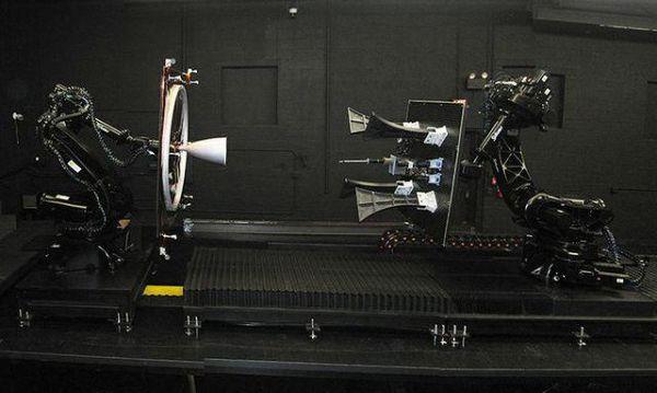 MEV-1加油口和受油口细节。