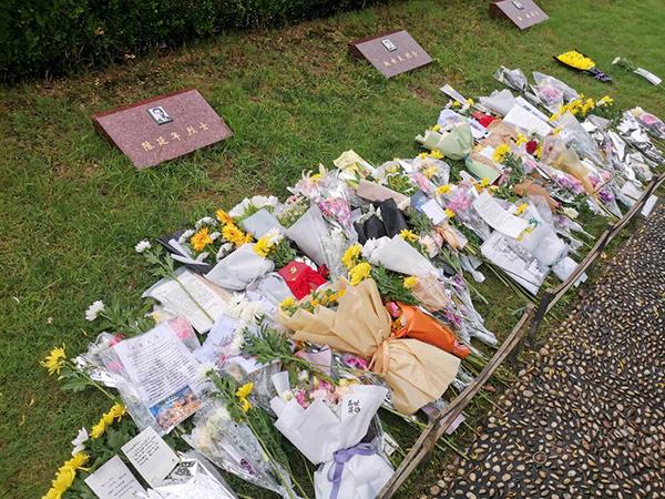 陈延年就义94周年纪念日,他的墓前堆满鲜花