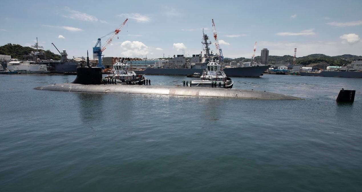 """""""康涅狄格""""号属于美国""""海狼""""级攻击型核潜艇。"""