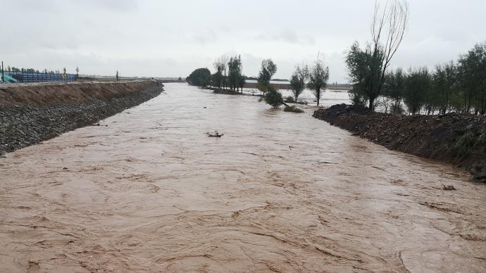 中国红十字基金会紧急驰援山西洪涝灾区3000只赈济家庭箱