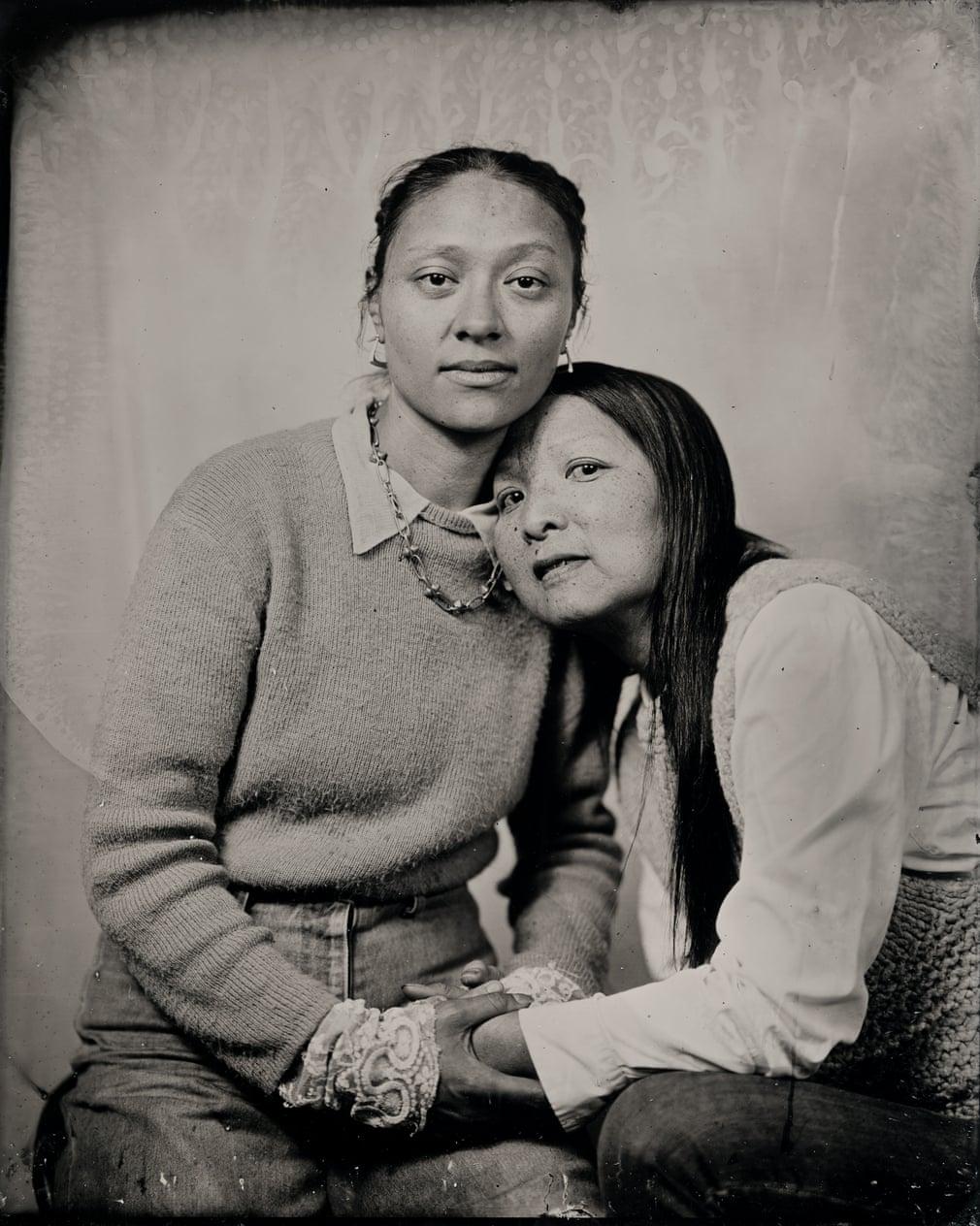 贝和玛德琳,孩子和母亲相拥,2020年