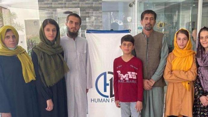 美媒:曾帮助过拜登的阿富汗翻译已离阿,经巴基斯坦抵第三国
