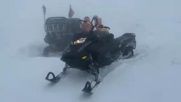 暴雪、失温,87名选手被困!美国越野马拉松上演生死营救
