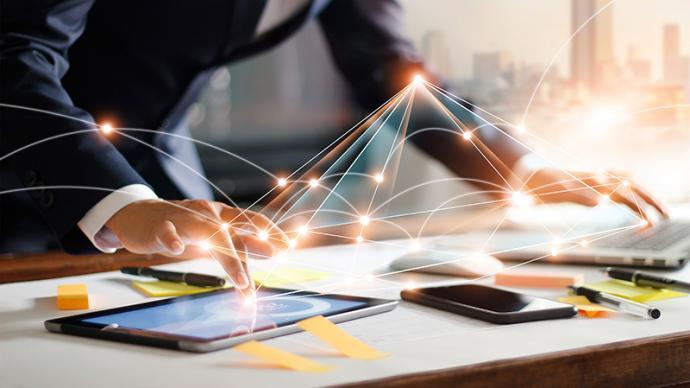 证券从业人员需规范利用自媒体工具:主动备案有关聊天群等