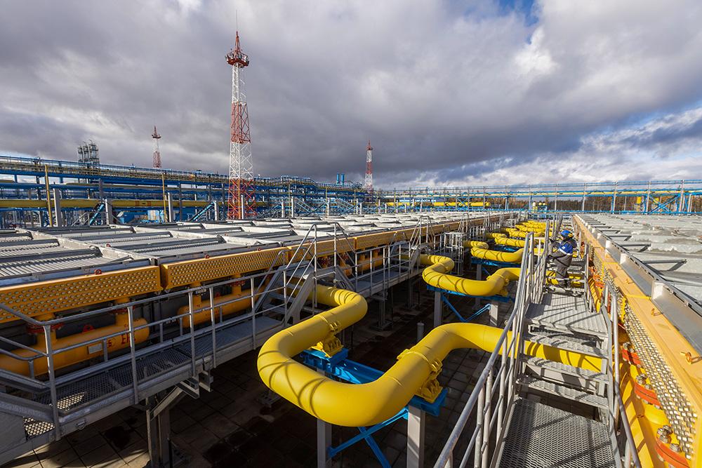 当地时间2021年10月11日,俄罗斯天然气工业股份公司石油、天然气和凝析气田3号综合气体处理站,该站是西伯利亚电力天然气管道的资源基地。视觉中国 图