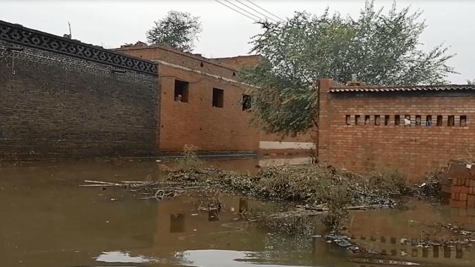 特写|汾河支流边,被水泡过的村庄