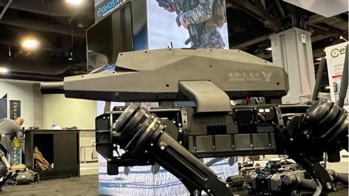 """美国""""杀手机器狗"""":配狙击步枪,精准锁定1.2公里内目标"""