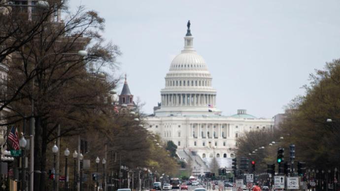 美国一国会警察在国会大厦附近遭袭
