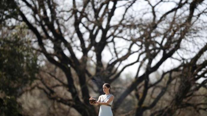 希腊媒体:冬奥圣火将于18日在古奥林匹亚遗址点燃