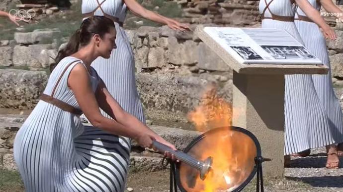 视频 北京冬奥会火种在希腊成功点燃