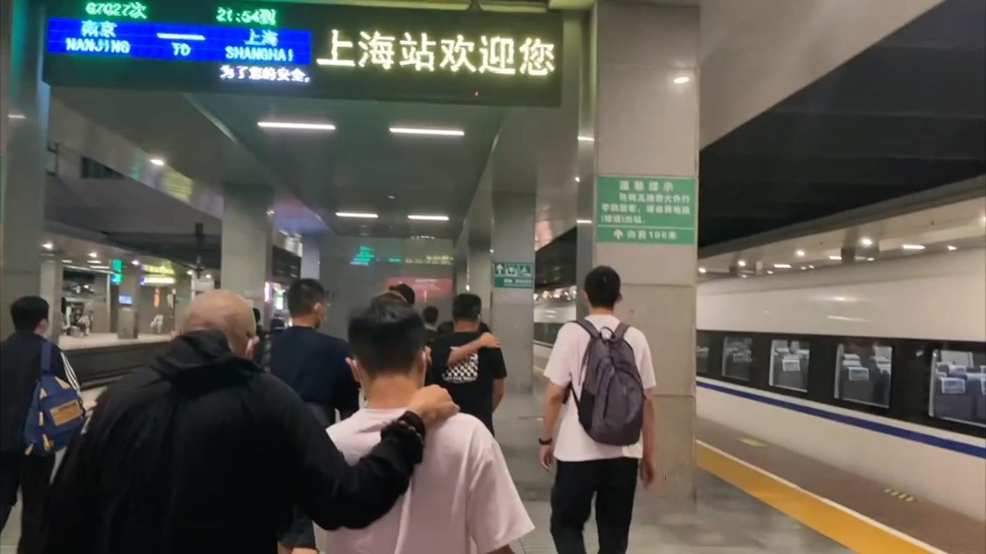 """伪装成客户""""钓鱼"""",六人团伙专骗主播、陪玩被上海警方抓获"""