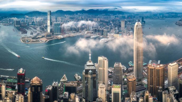 """超32.8万人经""""回港易""""或""""来港易""""入境香港"""