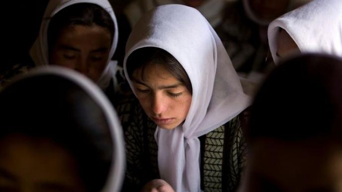 联合国儿基会官员:塔利班准备允许中学女生继续上学