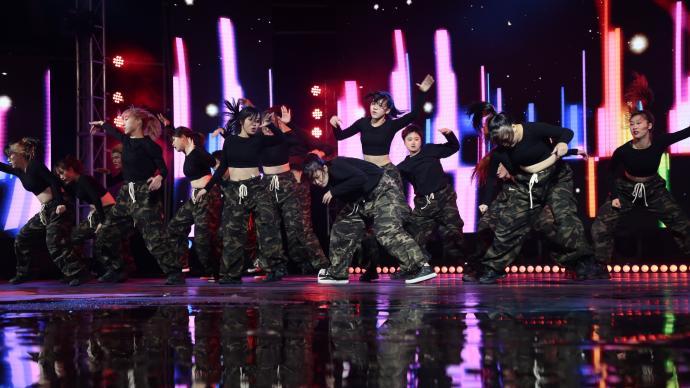 跳出青春风采,市民文化节首届大学生街舞大赛展演举行