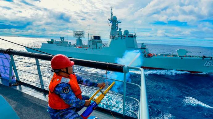 多图 南海某陌生海区,多个作战课目背靠背展开
