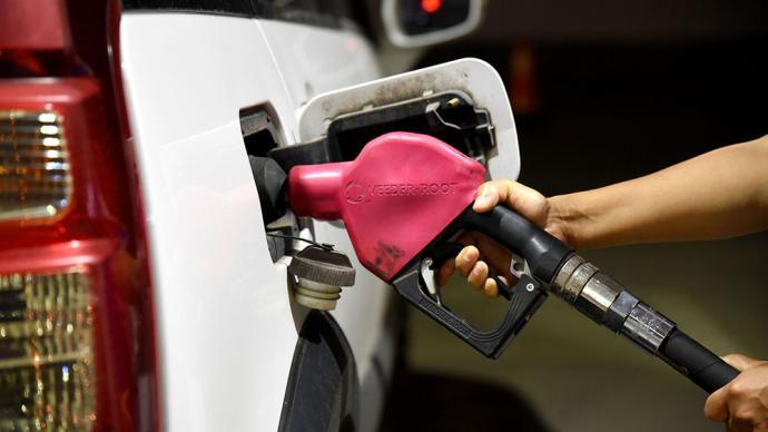 """国内成品油将迎来年内第十四涨,95号汽油重回""""8元时代"""""""
