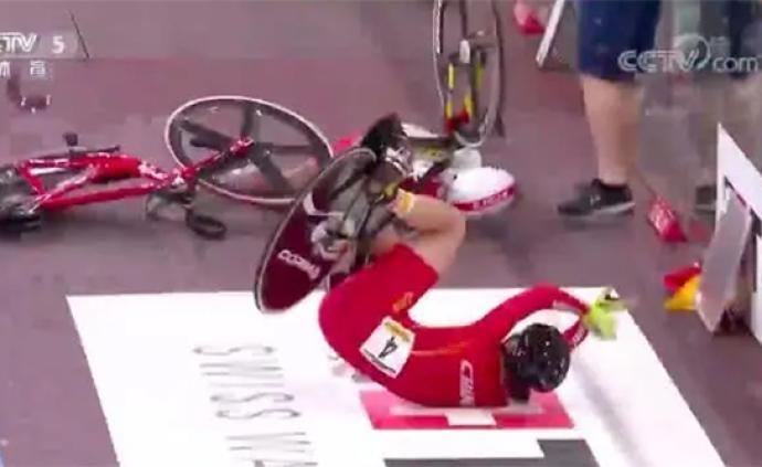 中国自行车手腹部扎入3厘米木刺坚持完赛,遗憾错失奥运资格