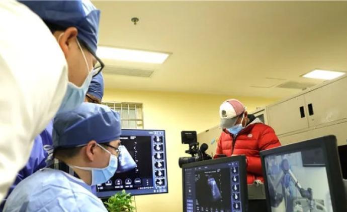 浙江援漢醫療隊:目前最艱巨任務是不讓重癥病人轉為危重癥