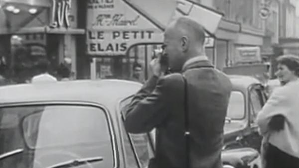 布列松1962年街头拍摄