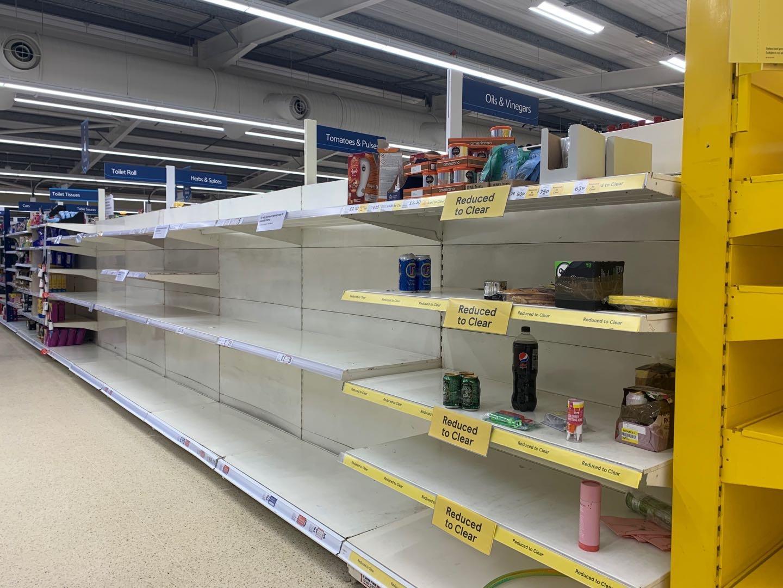 3月17日,英国一家超市里的空货架。图片由作者提供