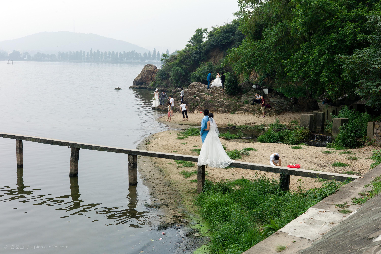 谌毅拍摄于武汉东湖侧船山。