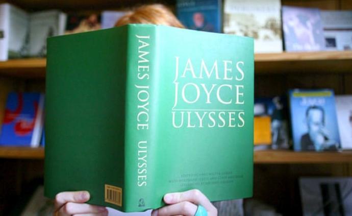 長篇小說銷量大幅增長,英國讀者為長期隔離做準備