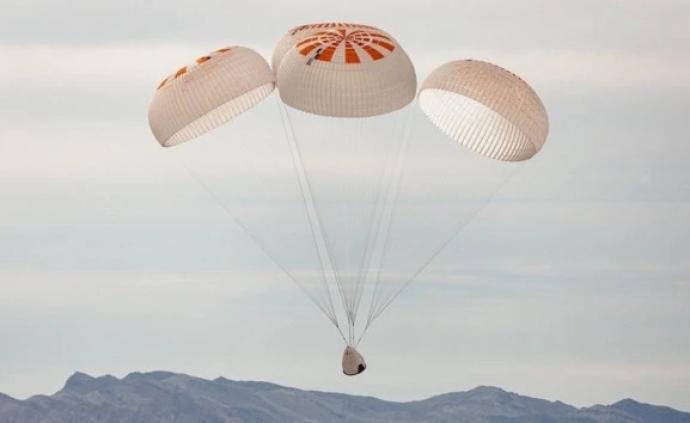 SpaceX龍飛船降落傘試驗出意外:直升機把飛船模型扔了