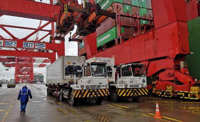 首批100噸援漢進口冰豬肉運抵洋山港,為復工復產提供物資
