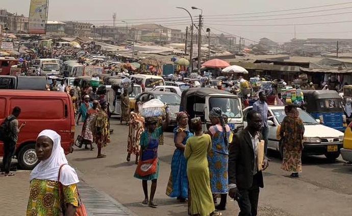 非洲疫線︱加納:一個沒有口罩生產廠的國度如何防疫