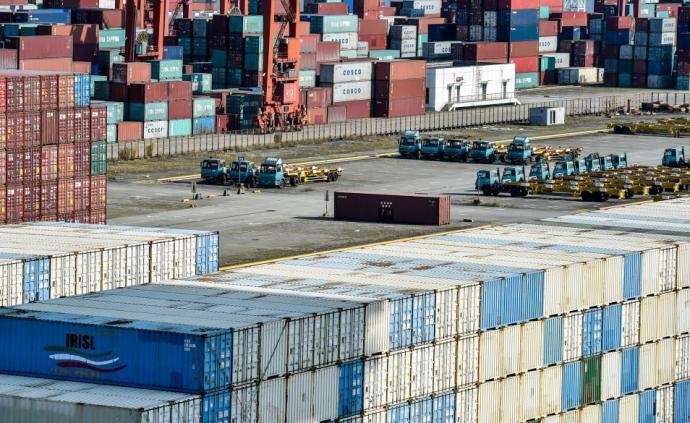 商务部:我国1-2月服务进出口总额同比下降11.6%