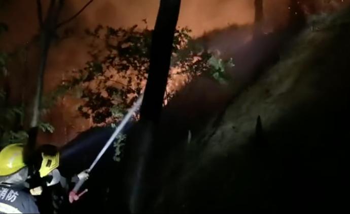 西昌森林大火向附近一学校蔓延,最近8米