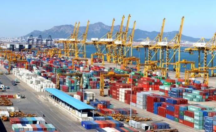 央视网评:让出口货物出得去,让进口货物进得来