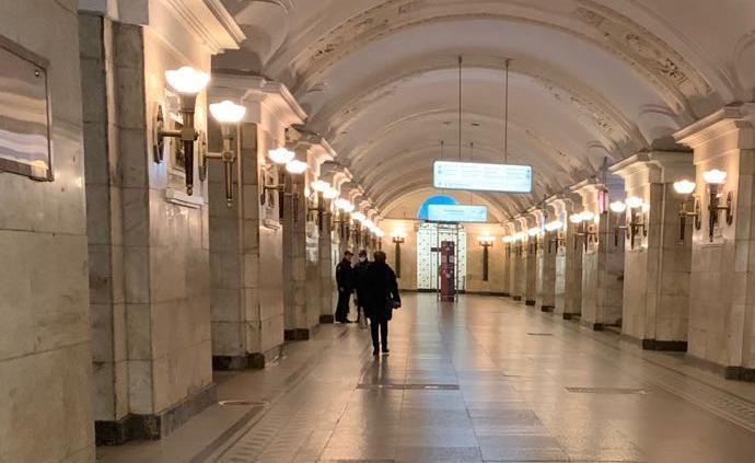 """全球戰疫·連線丨追劇、自制紅豆包:莫斯科""""封城""""眾生相"""