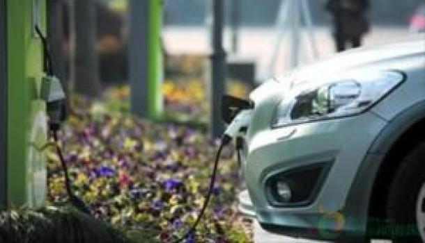 國常會:將新能源汽車購置補貼和免征購置稅政策延長2年