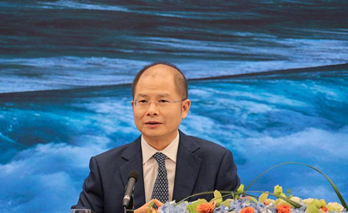 徐直軍:華為消費者業務去年海外營收減少100億美元