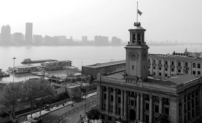 全民战疫|这一刻举国同悲:湖北武汉和全国各地群众静立默哀