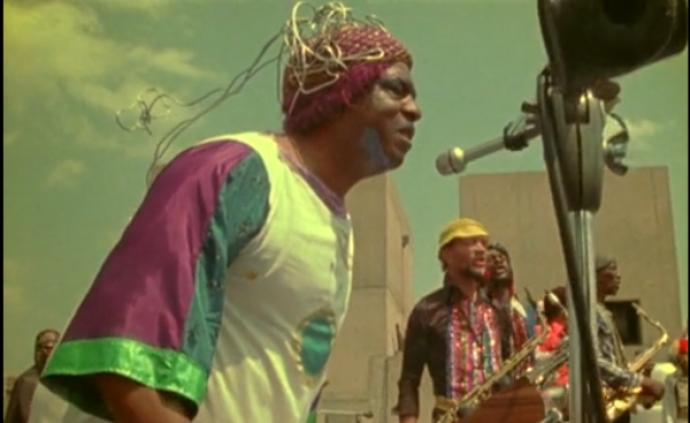 困頓嗎?這部超棒的音樂紀錄片帶你飛向宇宙