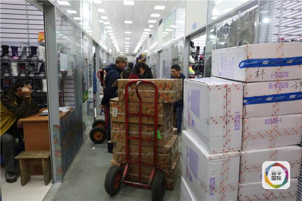 乌苏里斯克中国市场关闭,驻俄领馆提醒中国公民加强防护