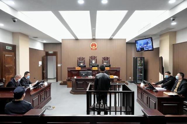 庭审现场。 钱江晚报 图