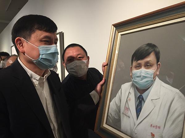 """张文宏的画像,水粉作品,吴正恭画。这幅画将施舍给张文远大夫,张大夫说:""""先存在这边。"""""""