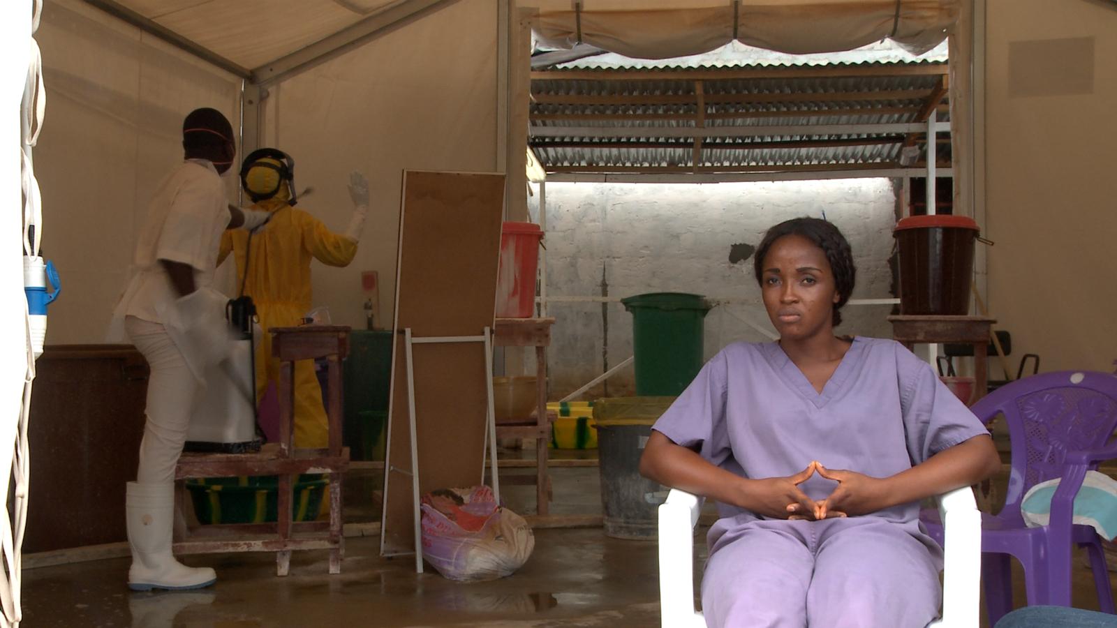 《幸存者》剧照,右一为护士玛格丽特·西塞