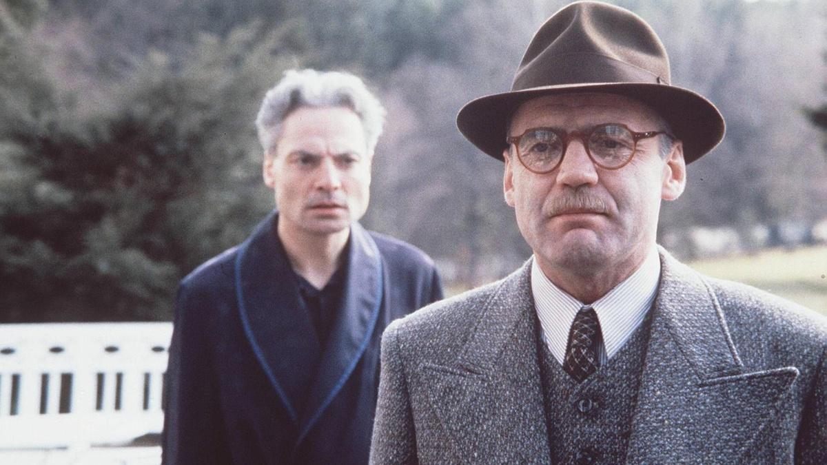 迪特尔·拉瑟曾与布鲁诺·甘兹配相符过电视版的《培尔·金特》