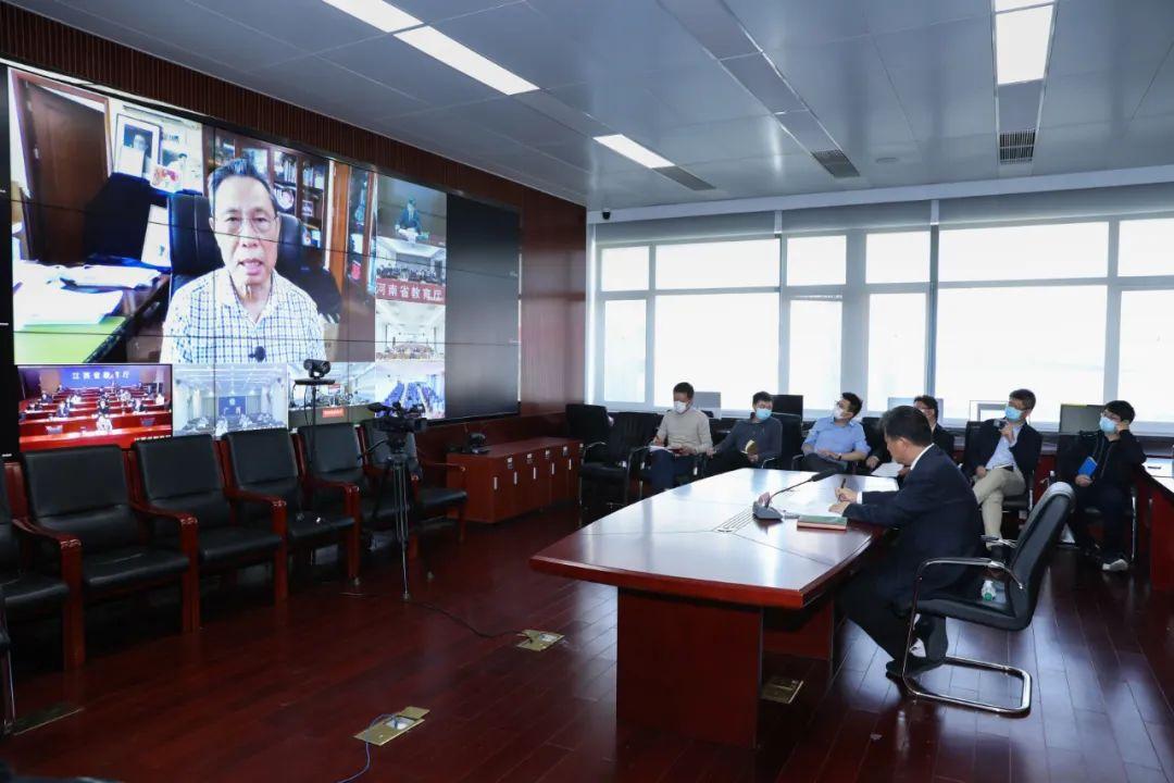 钟南山、李兰娟、张文宏同台指导学校疫情防控,最全实录来了