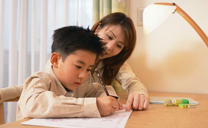 知名心理咨詢師告訴你:如何陪孩子寫作業