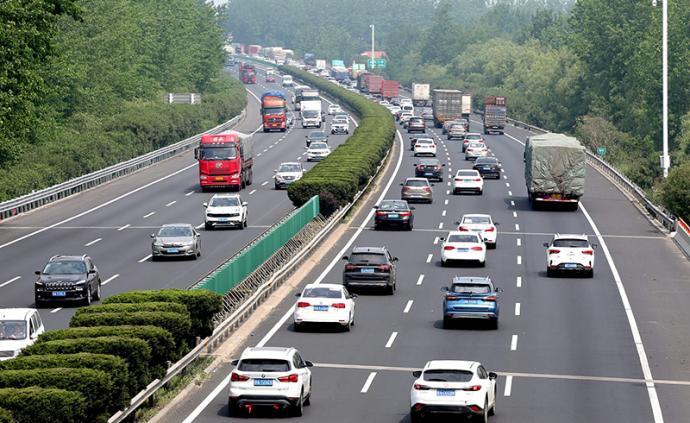 """""""五一""""首日全國高速公路未發生大范圍嚴重擁堵"""