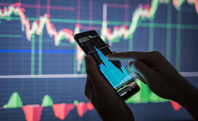 巴菲特:全面分布地購買股票,要有樂觀的想法,不要借錢投資