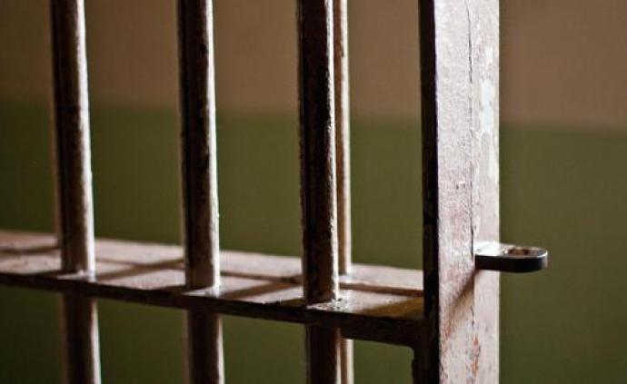 浙江六旬男子以零食誘騙兩名幼女實施猥褻、強奸,獲刑七年半