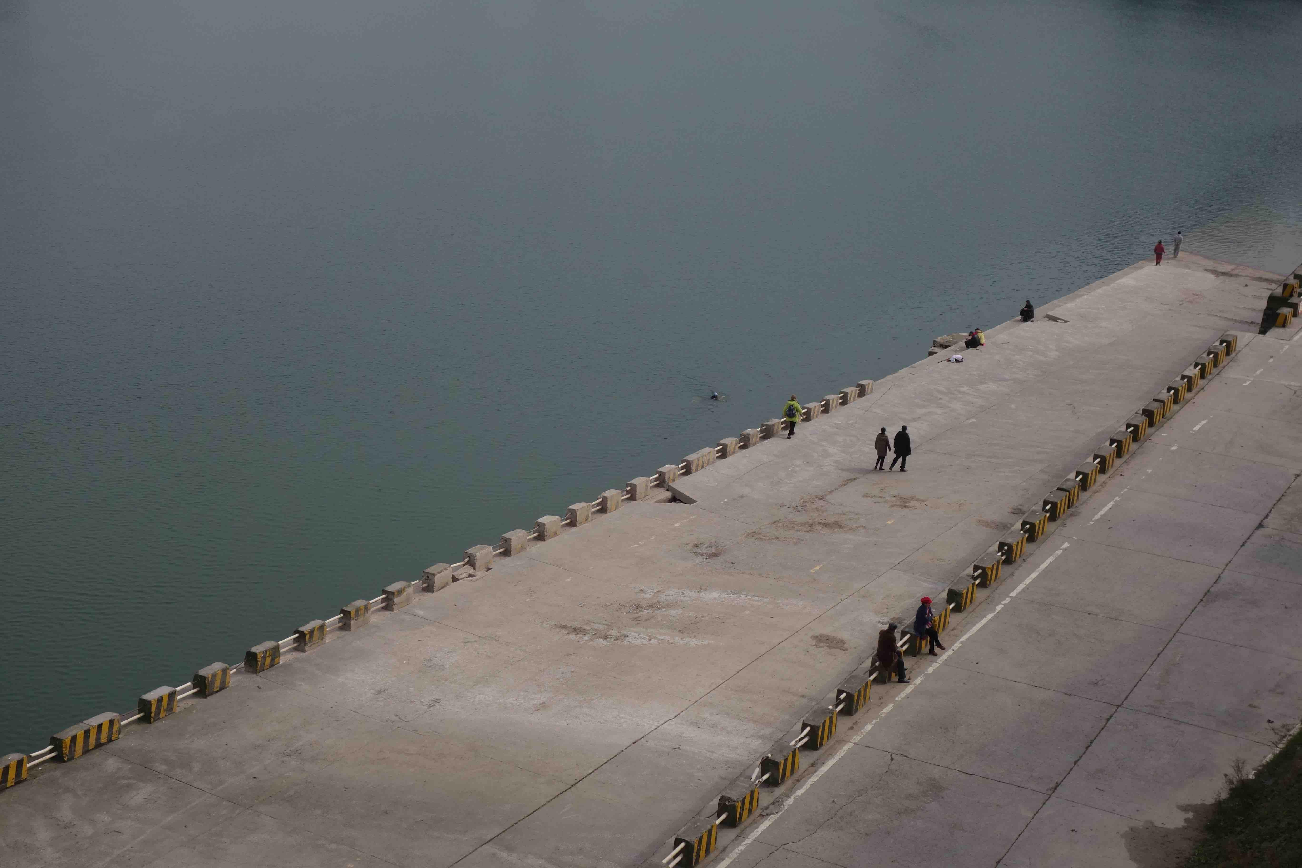 重庆嘉陵江畔